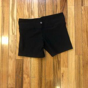 Lululemon size 6 reversible shorts